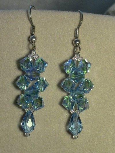 Orecchini pendenti con goccia Swarovski  ab color azzurro