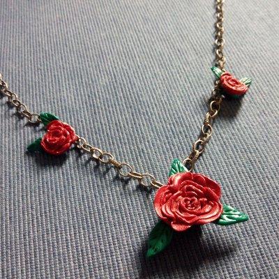 Collana Rose Rosse in fimo