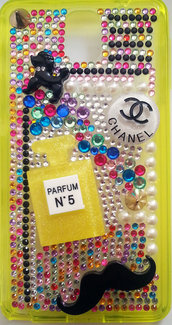 Cover SAMSUNG Galaxy NOTE 3 N9000 N9005 Yellow Chanel style Profumo Strass Dog Baffi Moustache