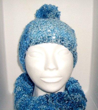 cappello lana celeste