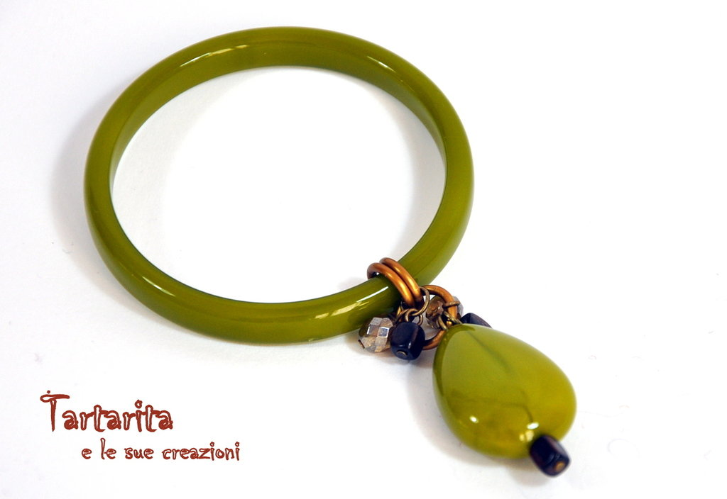 Bracciale rigido di resina color pistacchio