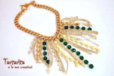 Collana regina di cristalli verdi e filato gioiello oro