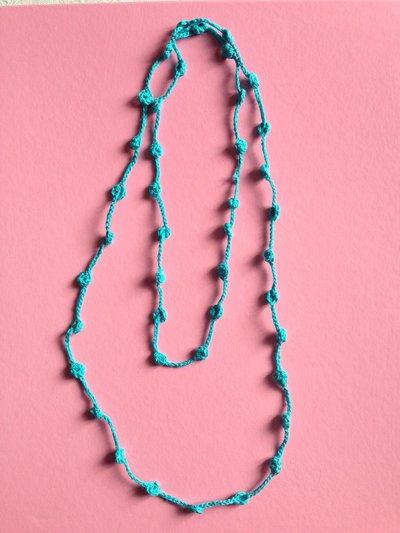 Collana doppia azzurra, fatta a mano all'uncinetto