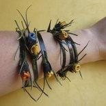 Bracciale in pelle con rosette gialle, arancione e blu: CONNIE n. 16