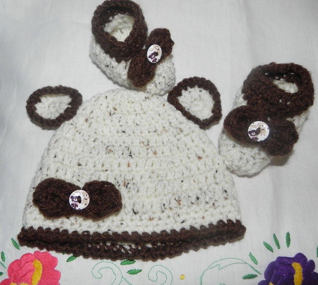Scarpette e cappellino bambini unisex misto lana fatto a mano ad uncinetto