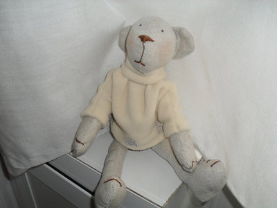 Delicato e tenero orsetto da compagnia o x arredare cameretta bimbi.