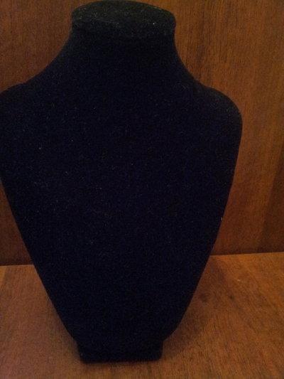 Busto espositore x collane in velluto nero