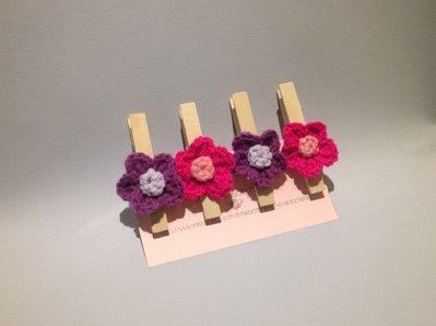 Set di quattro mollette chiudi pacco con di fiori ad uncinetto