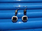 Orecchini con perle ovali in fimo
