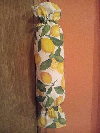Comodissimo porta sacchetti- borse spesa in tessuto fantasia limoni