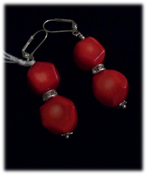 orecchini pendenti con corallo rosso e strass