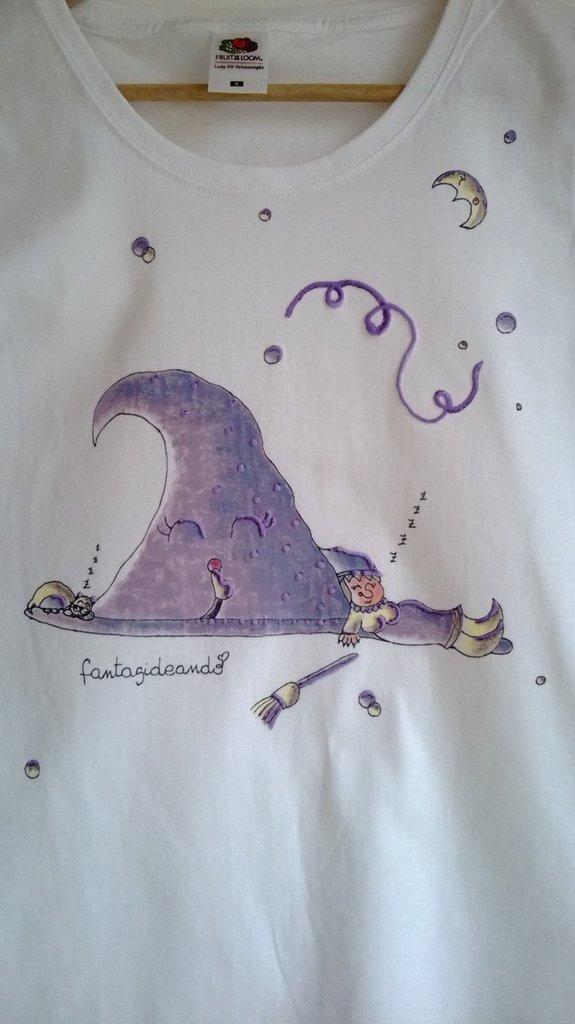 "t-shirt manica corta cotone ""STREGARUSSINA"" dipinta a mano"