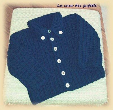 """Completo composto da giacchino blu  e cappellino con pon pon  per bambino con bottoncini """"smile"""""""