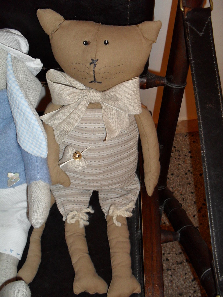 Gastone ,il gattone ,idea regalo bimbi ,addobbo cameretta.