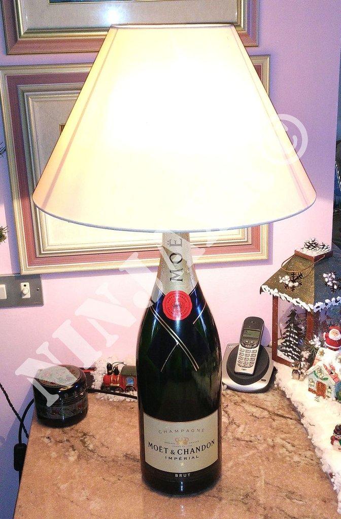 Lampada da tavolo Arredo Bottiglia Champagne Moet & Chandon Jeroboam 3L
