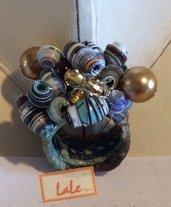 Anello in carta filata con perle di carta. Ring spun paper with paper beads