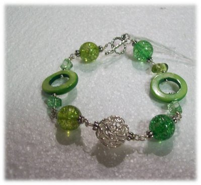 bracciale con pietre verdi