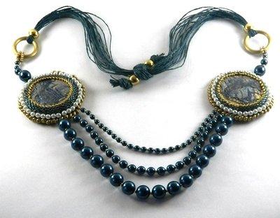 Collana embroidery con perle swarovski ed elementi in fimo fatta a mano