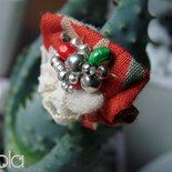 anello in stoffa, pizzo e perline