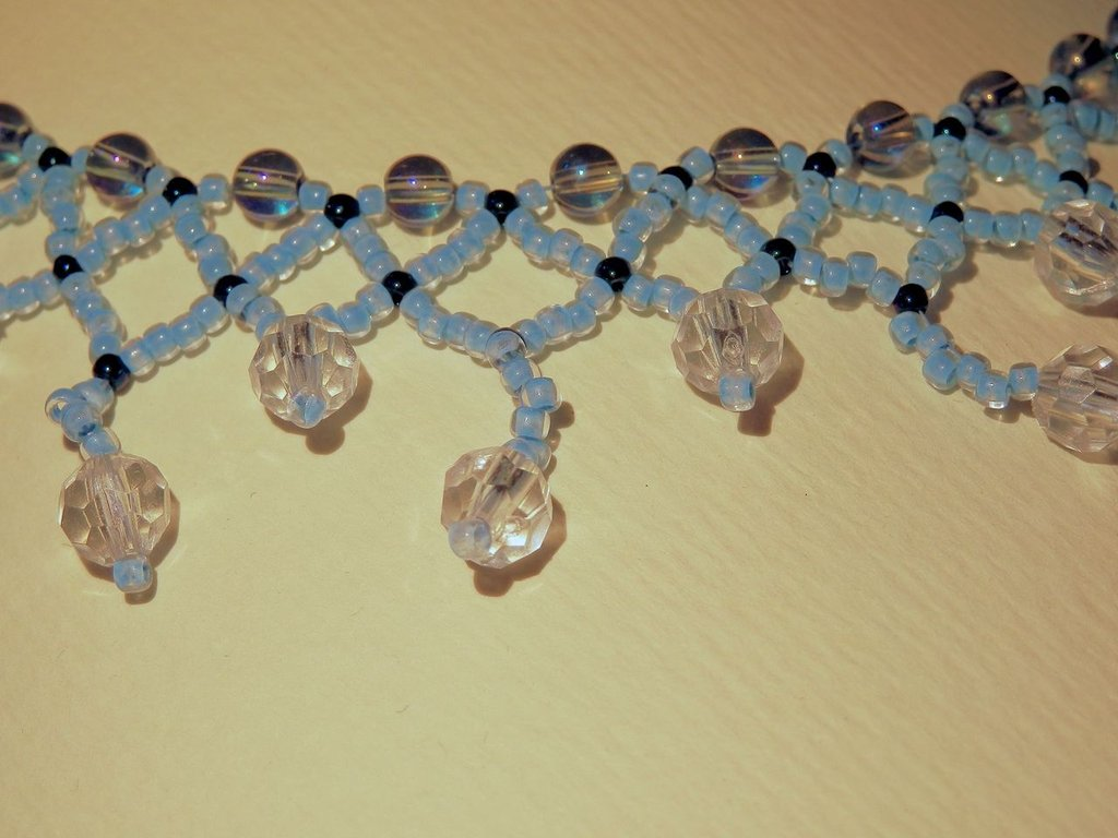 Collana cristalli bianchi