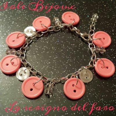 Bracciale con bottoni rosa corallo