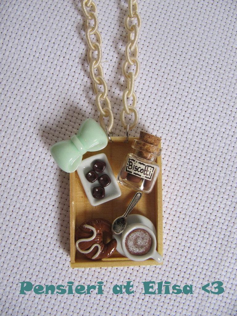Collana vassoio legno rettangolare colazione con dolci in fimo fiocco turchese