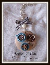 Collana vassoio legno colazione con dolci in fimo handmade - linea celeste - cappuccino, cornetto glassa e biscotti