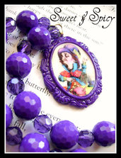 ALICE IN WONDERLAND-MAD HATTER CAMEO NECKLACE