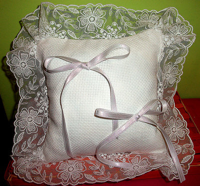 Cuscino fedi cuscinetto portafedi volant organza bianco da ricamare matrimonio