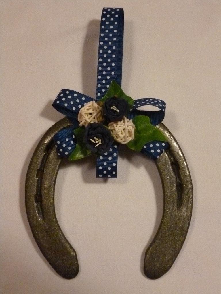Ferro di cavallo per la casa e per te decorare casa - Divano a ferro di cavallo ...
