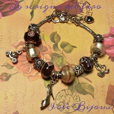 Bracciale in acciaio con perle di vetro viola
