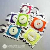 Francobolli colorati portachiavi