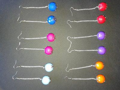 Orecchini Ciondoli Pendenti con catenella e perla sfaccettata 20mm colorati da donna stock fatti a mano rivendita