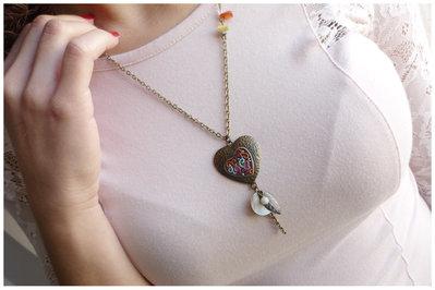 collana in bronzo anticato dipinta a mano e pendenti