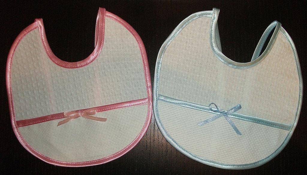 Bavaglino battesimo neonato cotone aida da ricamare punto croce rosa azzurro