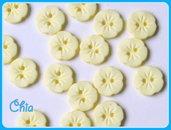 set 10 bottoni fiorellino giallo chiaro