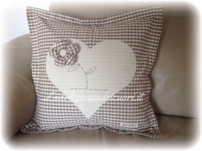 Cuscini in stile country chic per la casa e per te for Cuscini shabby chic fai da te