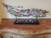Oggetto artistico in ferro battuto decorato a mano