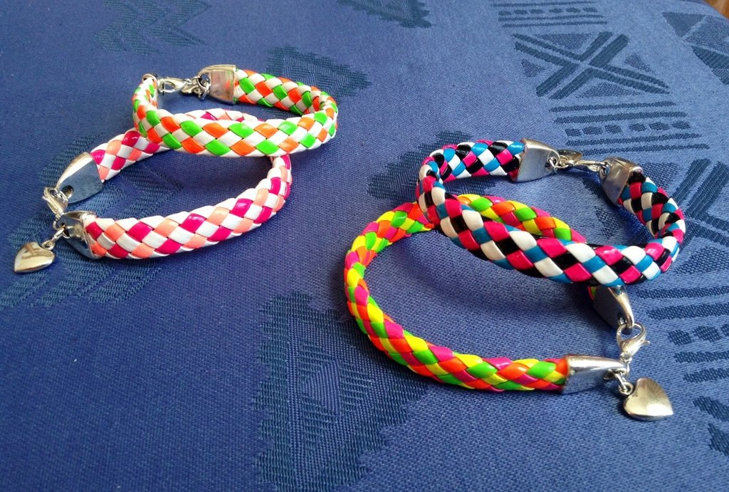Braccialetti multicolore con cuore