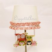 Paralume bianco con gala a fiorellini rosa e graziose gufettine in feltro e cotone!