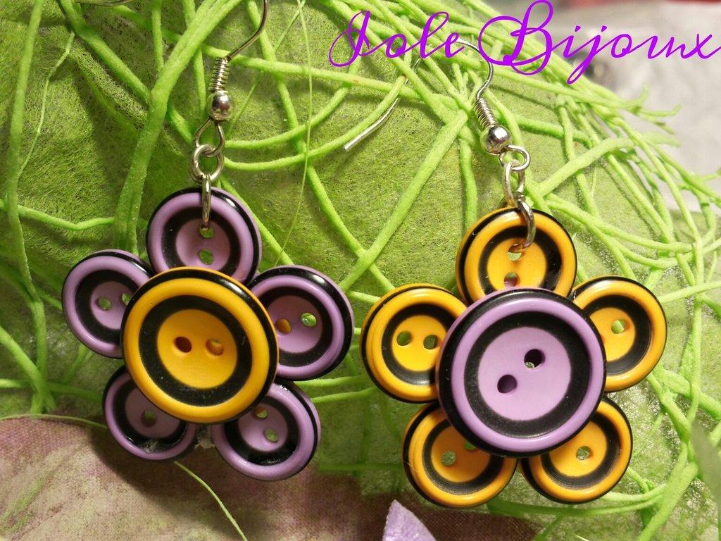 Orecchini fiori di bottoni giallo e viola