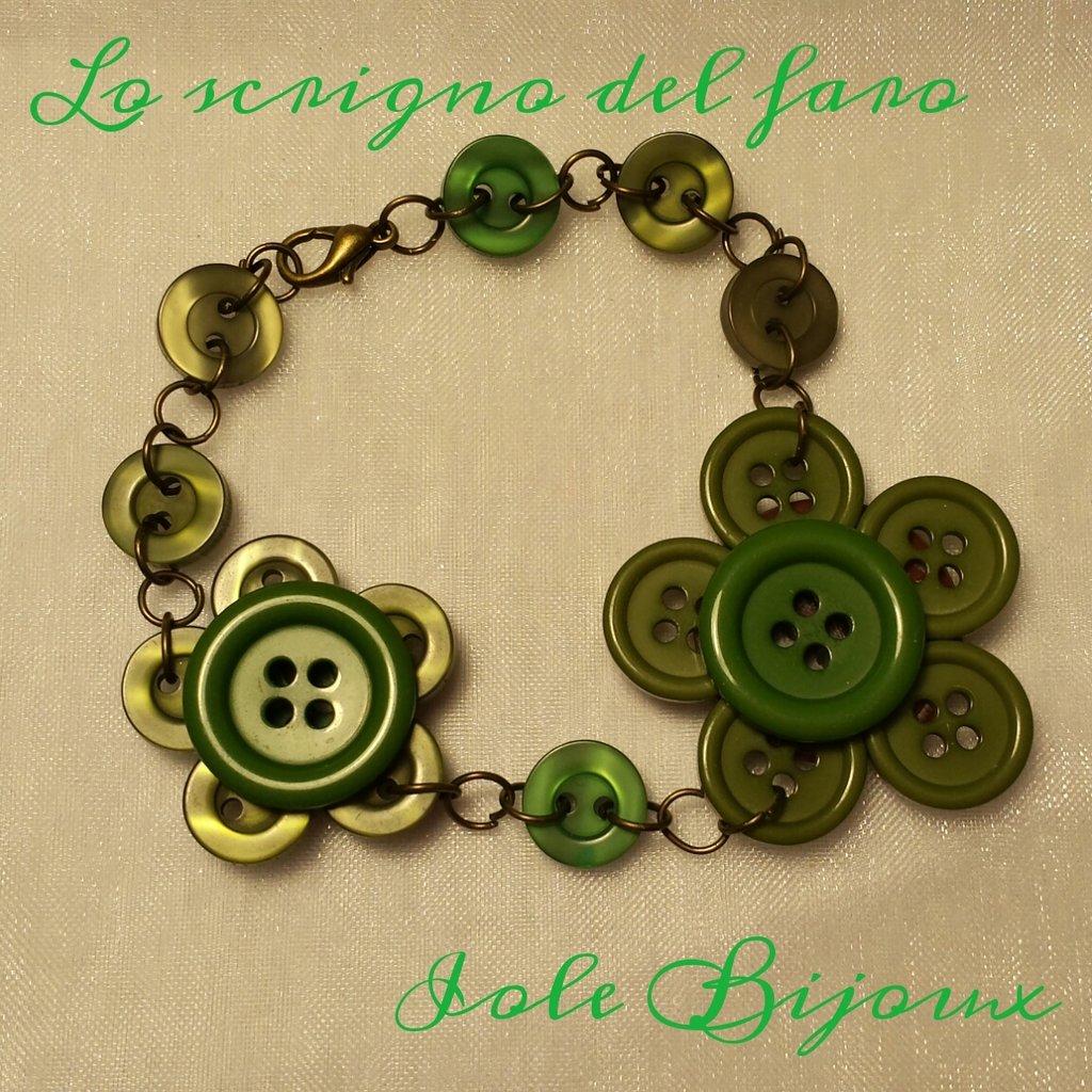 Bracciale fiori di bottoni in verde