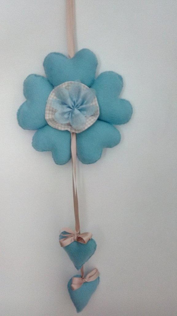 Fiocco nascita in feltro blu tipo fiore