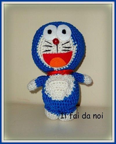 Amigurumi Doraemon gatto spaziale