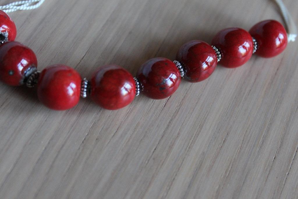 girocollo perle in ceramica raku rossa