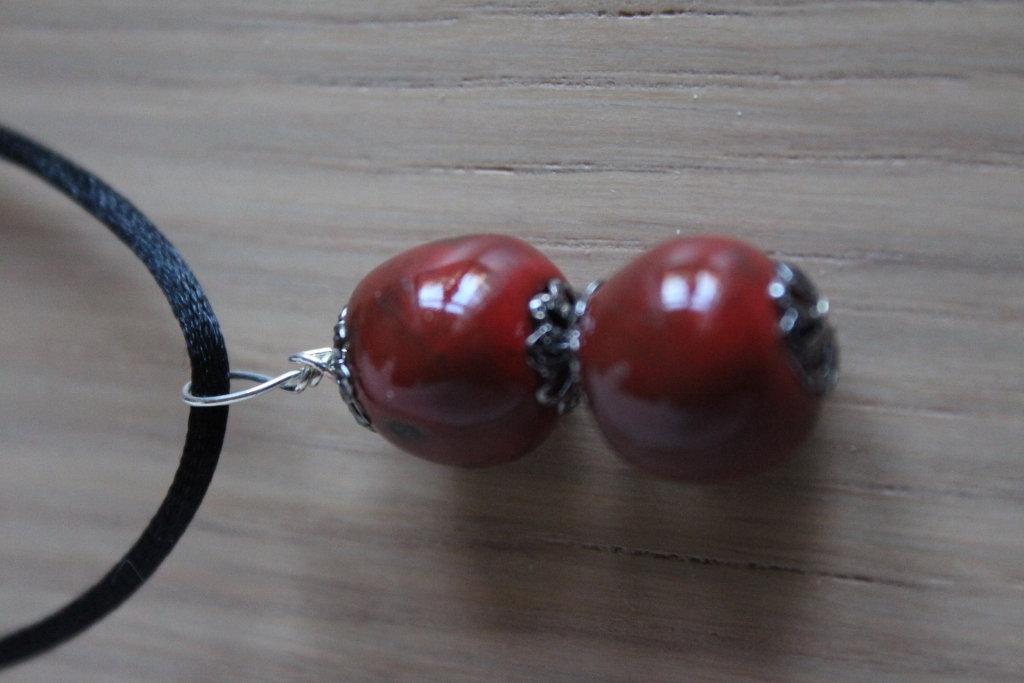 ciondolo 2 perline in ceramica raku rossa