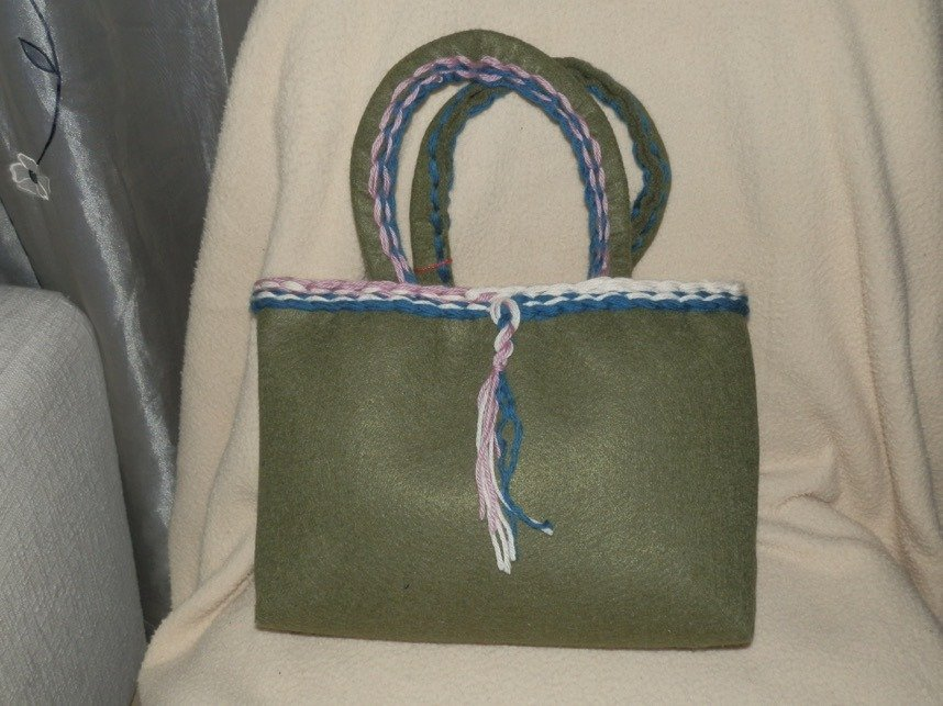 borsa in feltro verde e lana