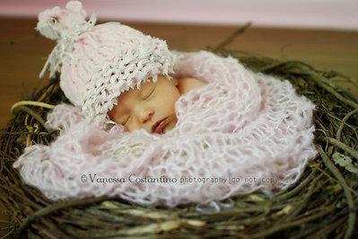 Cappellino per neonata / Cappellino bambina / Moda bambina / Cappellino prime foto / Photo prop / maglia a mano.