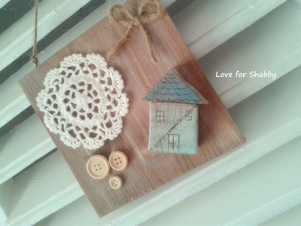 quadretto handmade con casa centrino crochet e bottoni--- shabby romantic style