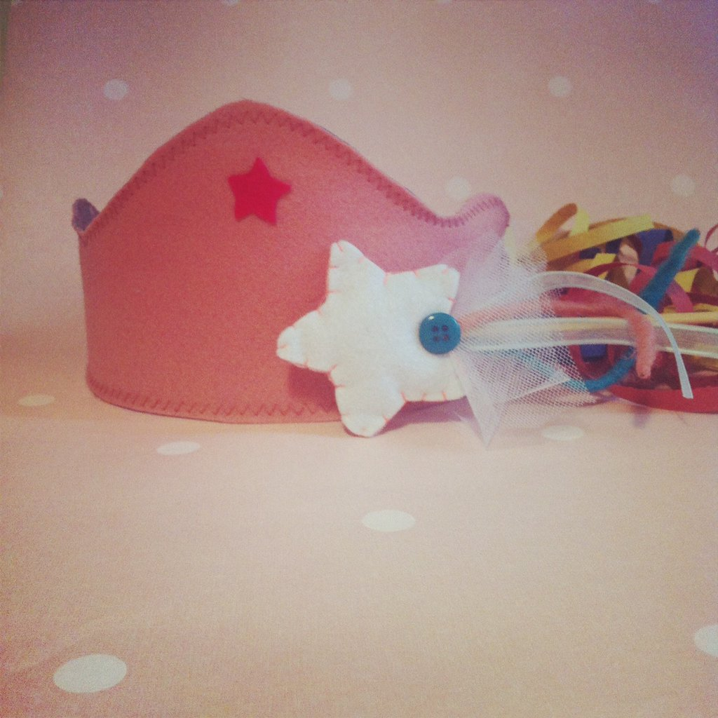 Costume di carnevale principessa, coroncina e bacchetta magica